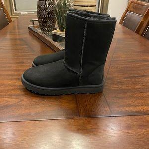 Women's Ugg boots-new